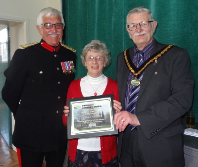 Janet Pinder receives her Community Award from Cllr Flitter