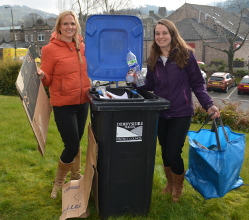 Derbyshire Dales residents are being reminded to keep paper and cardboard recycling separate from other recyclable materials for household collections.