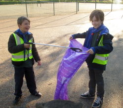 Hall Leys Park litter pick