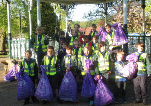 Hall Leys litter pick