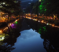 Our Matlock Bath Illuminations are definitely *ON* this evening (Sunday 29 September) but heavy train means some scheduled events will change.