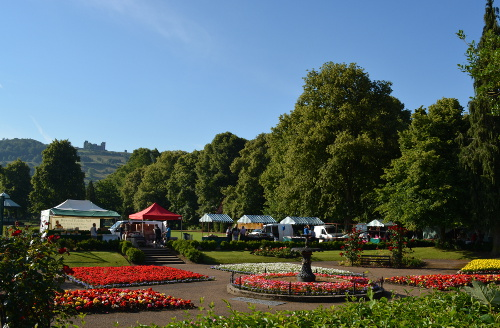 Matlock outdoor market in Hall Leys Park